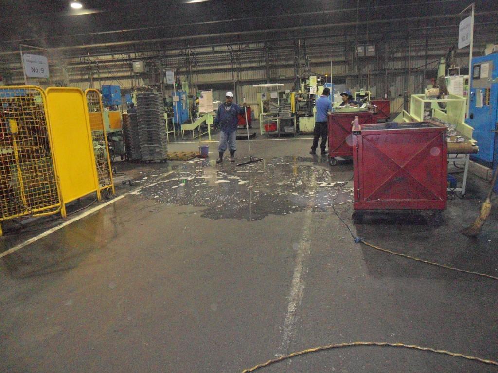 servicio de limpieza para naves industriales