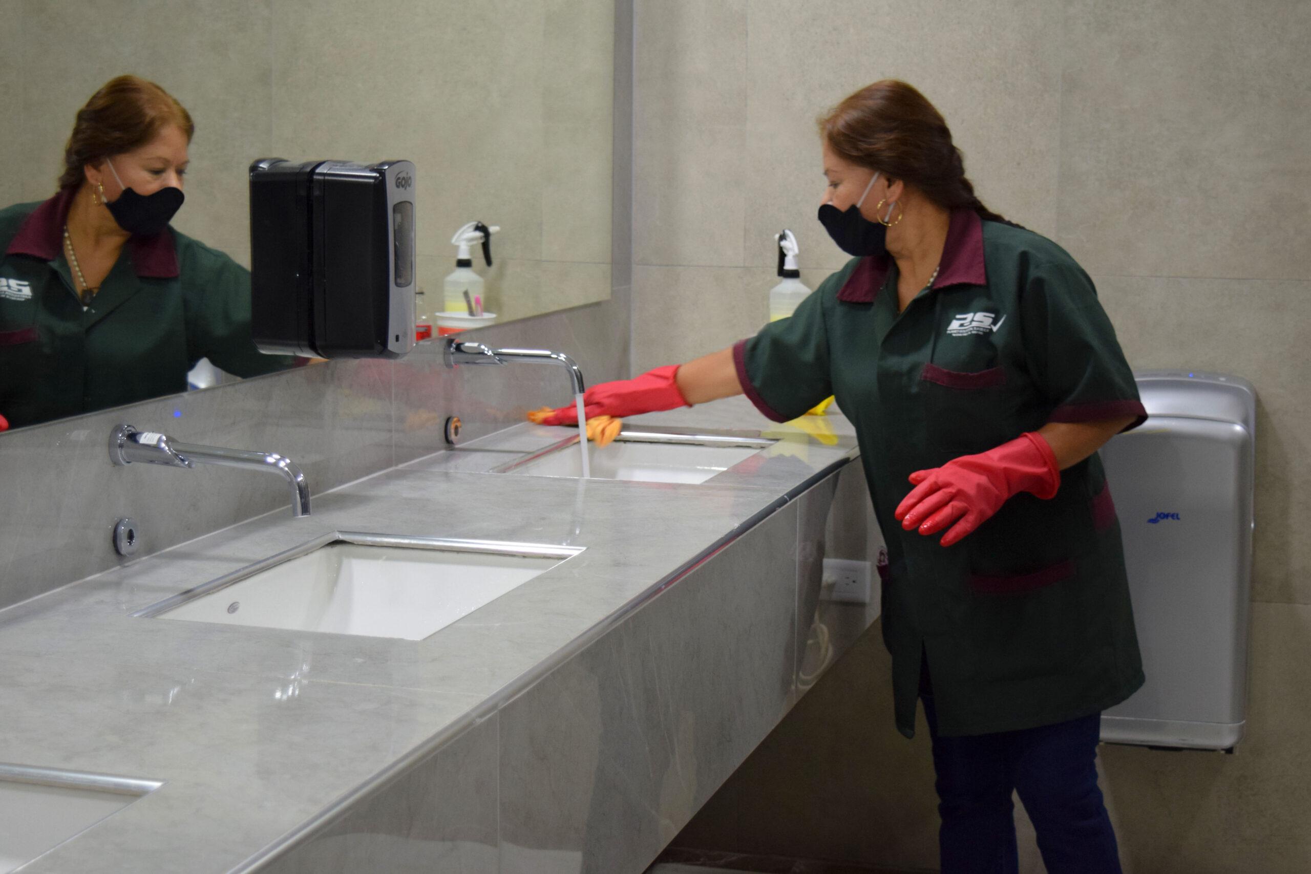 personal de limpieza profesional